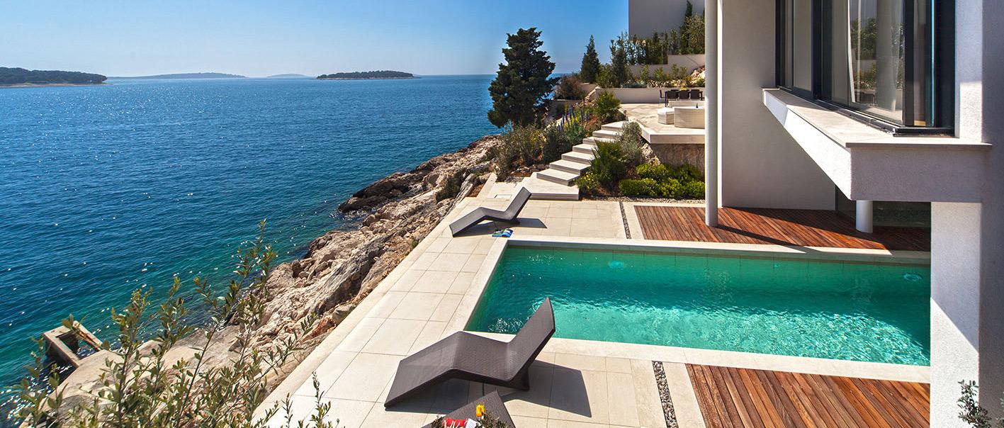 luxury villas goldenrays. Black Bedroom Furniture Sets. Home Design Ideas